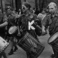 In der DDR dient das Arbeiterlied der Erziehung zu einer kollektiven Identität und…