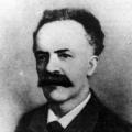 Anfang des 20. Jahrhunderts wird jedoch die von Pierre Degeyter komponierte…