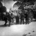 Überführung der Leiche zum Trauerhaus in Zürich. Seit den 1890er Jahren hat Bebel in der Schweiz gelebt.