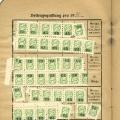 Traditionell kleben die Mitglieder Marken als Beitragsquittungen in ihre Parteibücher (hier ein Beispiel aus dem Jahr 1932).