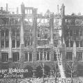 Auch im März 1920 spüren Sozialdemokraten die explosive Stimmung im Land: Das Leipziger Volkshaus, Treffpunkt für Sozialdemokraten und Gewerkschafter, wird während des Kapp-Lüttwitz-Putsches in Brand gesetzt.