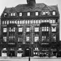 Das Gewerkschaftshaus in Hannover wird 1910 eröffnet und ermöglicht eine Zentralisierung der Arbeiterbewegung (Foto von 1932).