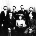 Clara Zetkin wird 1907 erste Leiterin des neu gegründeten Frauensekretariats der SPD.