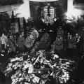 Die SPD nimmt Abschied: Otto Wels redet im Jahr 1931 am Grab von Friedrich Bartels.