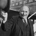 Wilhelm Kaisen, Parteischüler (1913/14) und von 1945 bis 1965 Bürgermeister der Hansestadt Bremen.