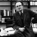 Peter Glotz gründete 1986 zusammen mit Willy Brandt die Parteischule neu.
