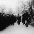 Überwachtes Gedenken: Die Feierlichkeiten der Arbeiterbewegung zum 18. März werden im Kaiserreich regelmäßig von staatlich anberaumten Polizeikontrollen überschattet (etwa 1910).