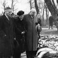 Die Feierlichkeiten am 18. März 1948 ziehen bundesweit große Aufmerksamkeit auf sich: Max Bauer, Erster Bürgermeister Hamburgs, Louise Schroeder, Berliner Oberbürgermeisterin, und Walter Kolb, Oberbürgermeister von Frankfurt am Main, erweisen ihre Aufwartung.