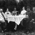 Im Kreis seiner Familie: Ebert mit seiner Frau Amalie und seinen Kindern 1916.