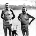 Erholung im Seebad bei Travemünde: Friedrich Ebert und Reichswehrminister Gustav Noske (1919). Dieses Bild nutzen die Gegner der neuen demokratischen Regierung für eine Anti-Ebert-Kampagne.