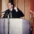 """""""Glaubt einem Gebrannten"""" – mit diesen Worten überzeugt Herbert Wehner die Delegierten."""