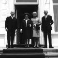 1. Juli 1969: Gustav Heinemann tritt das Amt des Bundespräsidenten an. Sein Vorgänger Heinrich Lübke empfängt ihn und seine Frau in der Villa Hammerschmidt.
