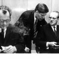 Mit Willy Brandt und Herbert Wehner bildet Schmidt in den 1970er Jahren das Führungstrio der SPD.