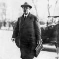 Hermann Müller auf dem Weg in den Reichstag
