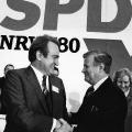 ...und wird im Wahlkampf 1980 von Bundeskanzler Helmut Schmidt unterstützt.