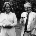 Seit 1982 ist Rau mit Christina Delius, einer Enkelin des früheren Bundespräsidenten Gustav Heinemann, verheiratet.