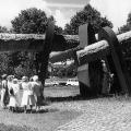 """Das Revolutionsdenkmal auf der """"Wik"""" von Hans-Jürgen Breuste, erinnert an den Matrosenaufstand 1918 in Kiel."""