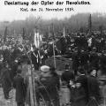 ...auch in Kiel werden die Opfer der Revolution mit allen Ehren beerdigt.