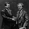 Als SPD-Vorsitzender förderte Wels die Vereinigung mit der USPD, hier mit dem USPD-Vorsitzenden Arthur Crispien 1922.