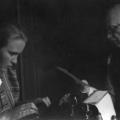 Philipp Scheidemann emigriert 1933 und flieht durch halb Europa, hier mit seiner Enkelin im Exil in Kopenhagen, wo er 1939 stirbt.