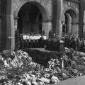 In Hannover findet am gleichen Tag die Trauerfeier vor dem Rathaus statt. Der stellvertretender SPD-Vorsitzende Erich Ollenhauer hält eine Rede.