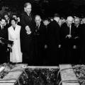 ...zum Stadtfriedhof Ricklingen überführt wird, wo auch der Parteivorstand ein letztes Mal Abschied nimmt.