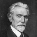 """August Bebel war bartmodisch stets vorne mit dabei. In jungen Jahren trug er einen """"Musketier-Bart"""", später, wie hier um 1910, einen unten spitz zulaufenden """"Henriquatre-Bart"""
