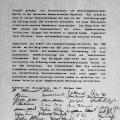 """Sie gründen die """"Sozialdemokratischen Partei"""" (SDP), hier: Die Gründungsurkunde mit den Unterschriften der Teilnehmer."""