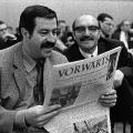 Günter Grass und Fritz Hörauf lesen auf dem SPD-Parteitag 1968 in Nürnberg den