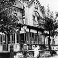 Wennigsen wird nicht nur wegen seiner sozialdemokratischen Tradition ausgewählt. Das Bahnhofshotel Petersen bietet genug Platz und eine ausreichende Nahrungsmittelversorgung.<br> Bildrechte: AdsD