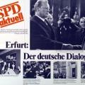 Ein Plakat der SPD erinnert an den innerdeutschen Dialog, der durch Willy Brandt ins Rollen kam.