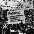 Demonstration gegen die Neue Ostpolitik von Brandt.