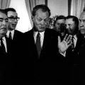 Unterzeichnung des Moskauer Vertrags 1970, links: Leonid Breschnew.