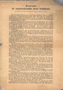 Die erste Seite des Erfurter Parteiprogramms der SPD von 1891, mitverfasst von Eduard Bernstein, der nur wenige Jahre später… Bildrechte: AdsD