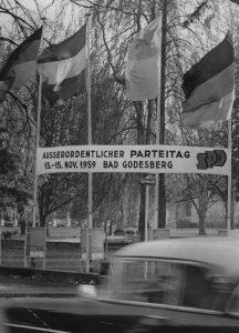 Willkommen zum Außerordentlichen Parteitag! Bildrechte: Josef H. Darchinger/AdsD