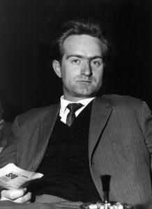Der junge Johannes Rau im Jahr 1962. Bereits seit vier Jahren gehört er dem nordrhein-westfälischen Landtag an. Bildrechte: dpa